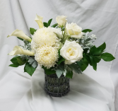 Grey Shades Fresh Floral Design