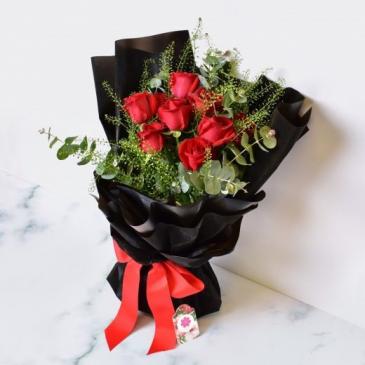 Half a Dozen Red Roses Cut Bouquet