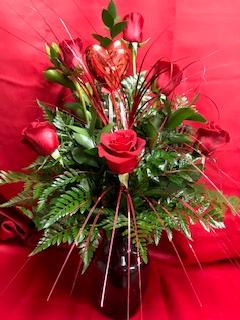 HALF DOZEN RED ROSES vase arrangement