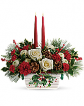 Halls of Holly Dish  Centerpiece with candles