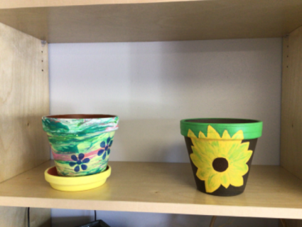 """Hand decorated lay pots 6"""" Variety of designs 6"""""""