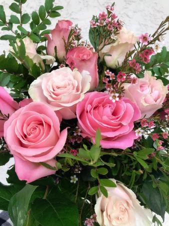 Handtied Rose Dozen