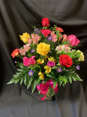 Happy Birthday Vase Arrangement in Red Lake, ON | FOREVER GREEN GIFT BOUTIQUE