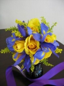 Happy Day Arrangement Vase Arrangement