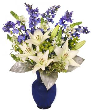 Shimmery White & Blue Bouquet in Danielson, CT | LILIUM