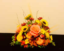 Happy Harvest Buffet/Center Oblong Piece