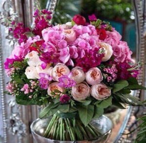 HAPPY MOMENT ELEGANT MIXTURE OF FLOWERS in Houston, TX   Bella Flori