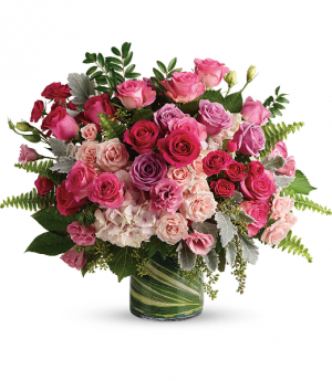 Haute Pink Bouquet HRS141B in Henniker, NH | HOLLYHOCK FLOWERS