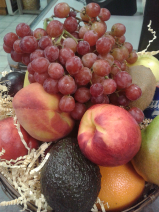 HEALTHY DELISH Fruit basket