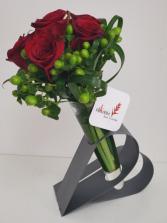 Heart in your hand V21-0314 Flower Arrangement