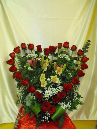 Heart rose shape  Red roses or preference