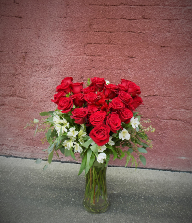 Heart Throb Vase Arrangement
