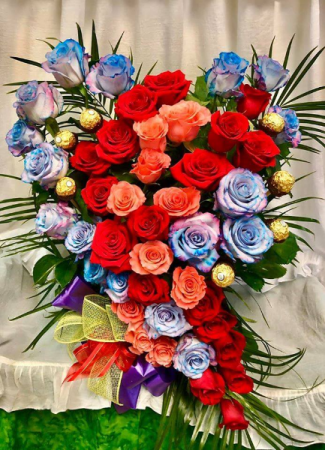Heart with 48 Roses And Ferrero
