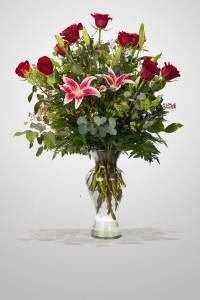 Heartfelt  BBS1 Red Roses & Fragrant Lilies in Roswell, NM | BARRINGER'S BLOSSOM SHOP