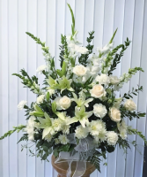 HEARTFELT REMEMBRANCE ALL WHITE BASKET