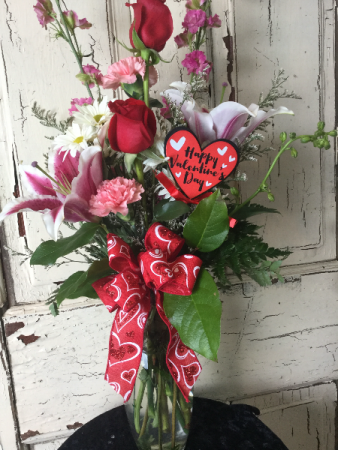Hearts Delight Beautiful Valentine Day Bouquet