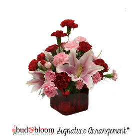Hearts Grow Fonder Arrangement