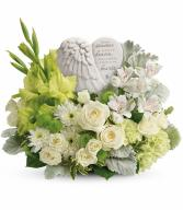 Hearts In Heaven Bouquet T278-4A