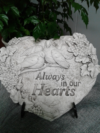 Hearts Plaque with Stand Memorial Plaque