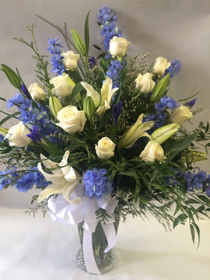 Heaven and Sky Sympathy Vase Arrangement in Red Lake, ON | FOREVER GREEN GIFT BOUTIQUE