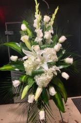 HEAVENLY AURA FLOWER ARRANGEMENT ELEGANT AND MIXTURE FLOWERS