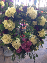 Heavenly Hydrangea Standing Wreath