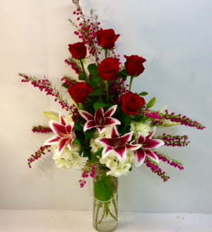 Hello Gorgeous! Vase Arrangement in Troy, MI | DELLA'S MAPLE LANE FLORIST