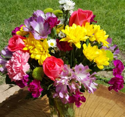 Hello Summer Mixed Vase Arrangement