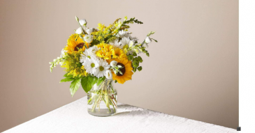 Hello Sunshine Cinched vase collection