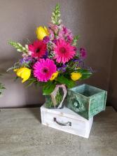 Hello sunshine Vase arrangement