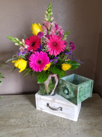 Hello sunshine Vase arrangement