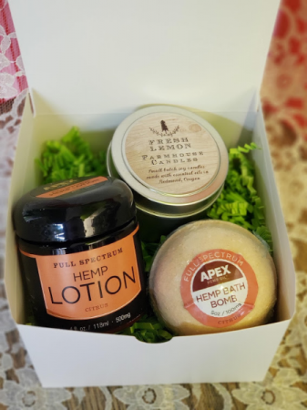 Hemp Lotion & Bath Bomb with Candle Gift Box