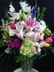 Mix of Premium Flowers