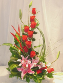 High style dozen red roses with lilies