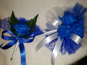 His n Hers Hand corsage and boutonniere