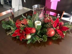 Holiday Centerpiece Artificial in Bartlett, TN | BARTLETT FLORIST
