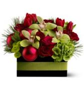 Holiday Chic - 272 Christmas arrangement