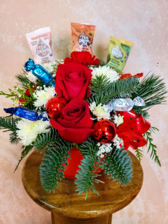 Holiday Cup of Cheer Arrangement