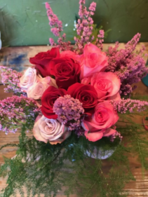 holiday doz. roses any color combo