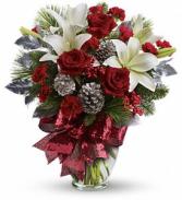 Holiday Enchantment Bouquet    twr07-1 Christmas Floral Arrangement