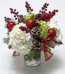 HOLIDAY HYDRANGEA & BERRIES Christmas Arrangement