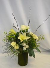 HOLIDAY MEMORIES Flower Arrangement