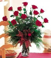 12   Ravishing Red Roses      vased