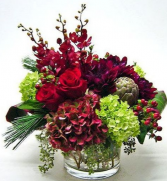 HOLIDAY SIMPLICITY ELEGANT MIXTURE OF FLOWERS