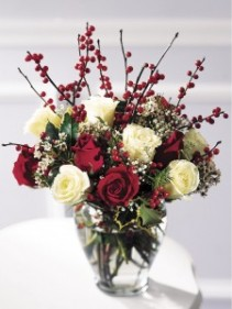 HOLIDAY SPLENDOR Christmas Red & White Berried Roses