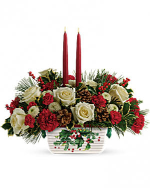 Holly Centerpiece Christmas flowers in Miami, FL | FLOWERTOPIA