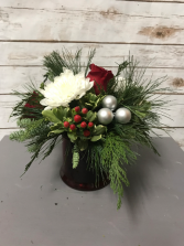 Holly Jolly Arrangement
