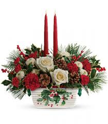 Holly Jolly Centerpiece in an Oven to Table Ceramic Pan