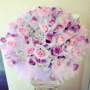 Hong Kong Style 18 Roses Bouquet **SPECIAL OFFER**