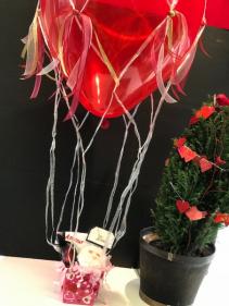 Hot Air Balloon Amour Bath Gift Basket
